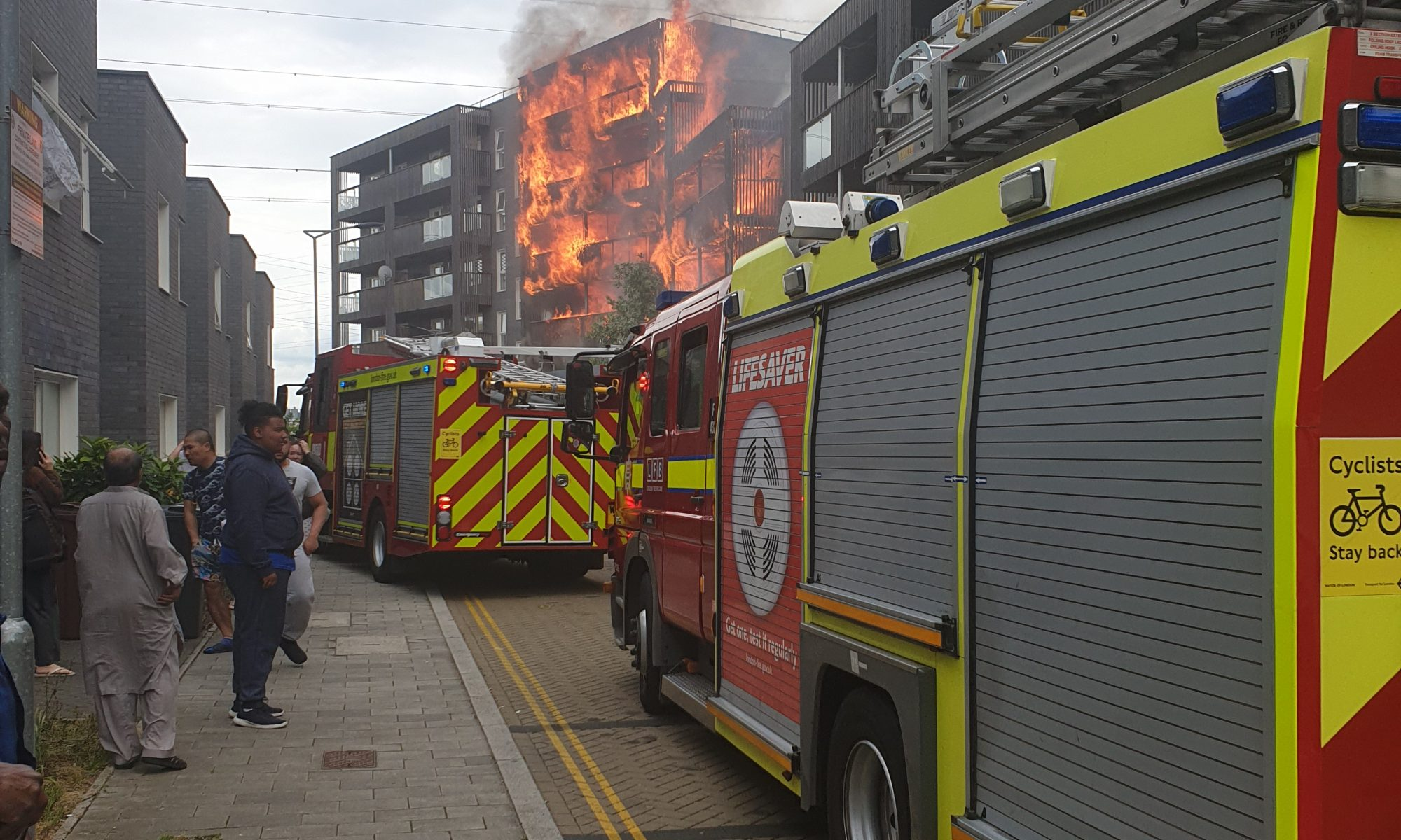 London Fire brigade attend the fire: picture by Laimonas Vazgys